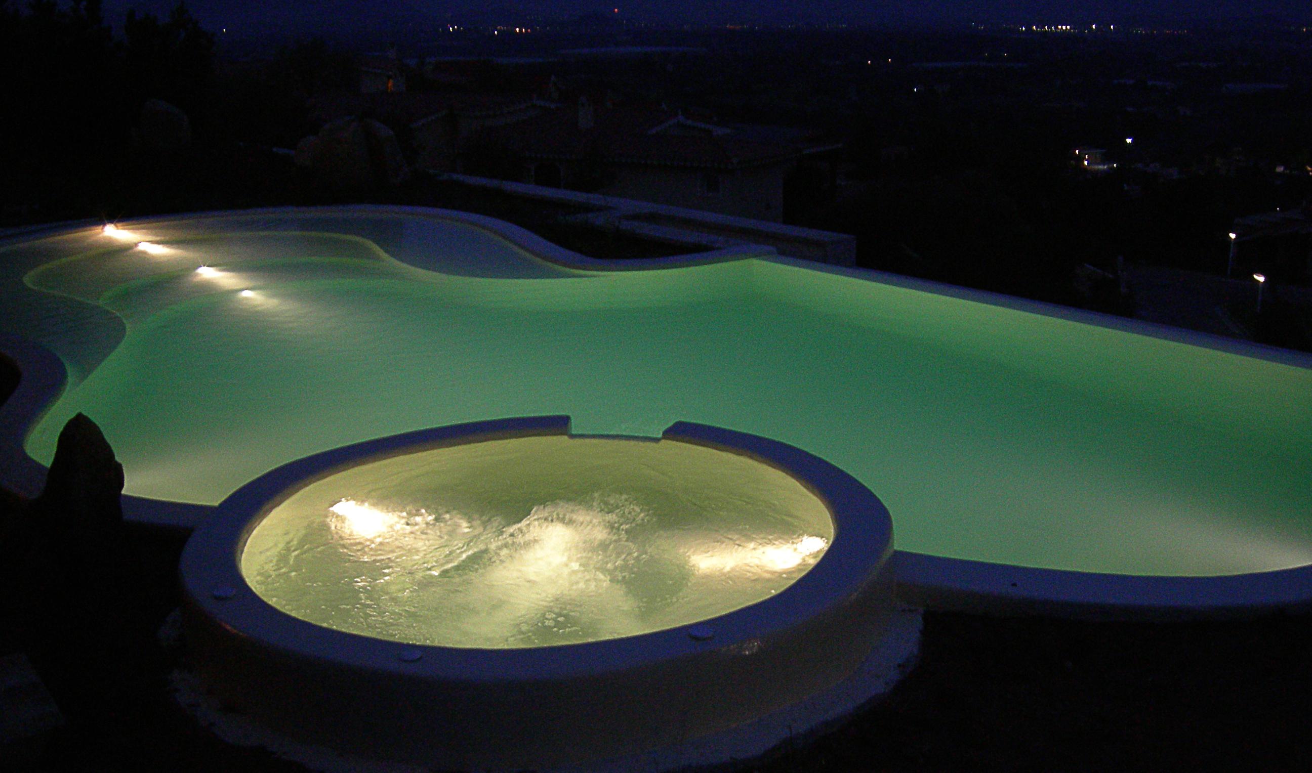 Accessori per piscine doccie esterne trampolini perpool