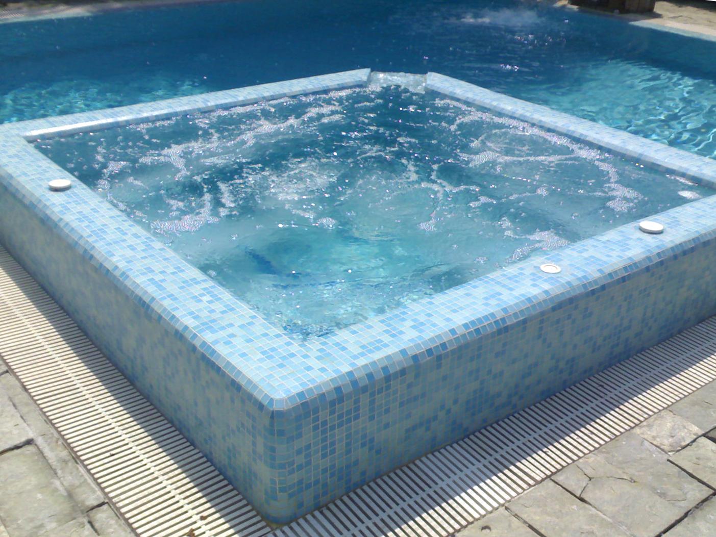 Piscine saune e vasche idromassaggio perpool - Scalda acqua per piscina ...